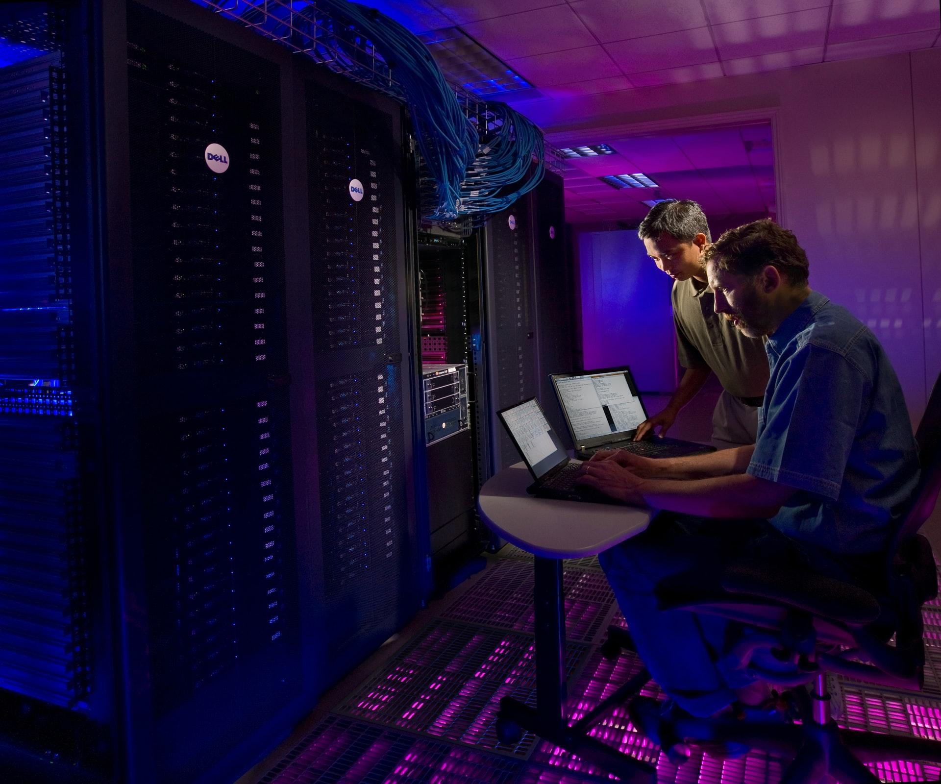 Wofür wird ein Server im Unternehmen benötigt?